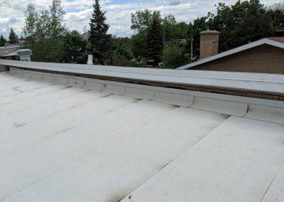 Pose de toiture élastomère à Anjou - Toiture Duvernay à Laval